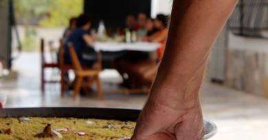 30 Juliol – Cinema a la fresca (Sant Felip) – Dinar Familiar (Curtmetratge + Col·loqui)